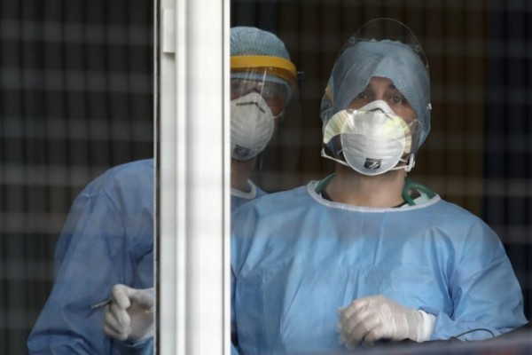 Κορωνοϊός: Νέα «παγωμάρα» με πάνω από 3.500 κρούσματα και 699 διασωληνωμένους!