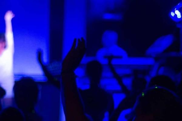 Ποιος... κορωνοϊός; Νυχτερινό κέντρο στην Αθήνα λειτουργούσε κανονικά με ζωντανή μουσική και θαμώνες!