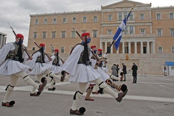 25η Μαρτίου: Δείτε live την παρέλαση για τα 200 χρόνια από το 1821