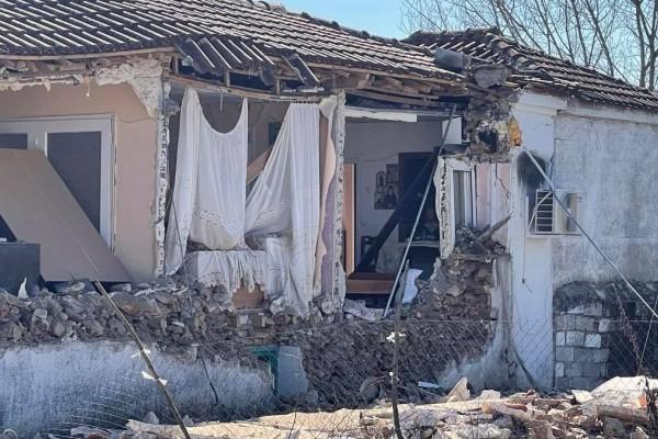 Σεισμός στην Ελασσόνα: Πέθανε ο ηλικιωμένος που σώθηκε από τα 6,3 Ρίχτερ