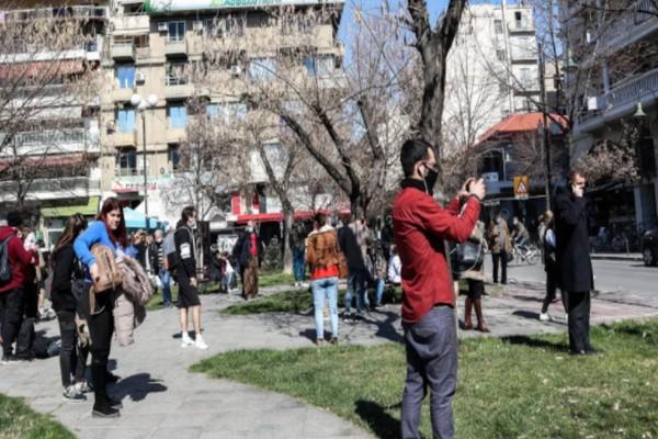 Σεισμός στην Ελασσόνα: Απεγκλωβίστηκε ζωντανός ο ηλικιωμένος στο Μεσοχώρι