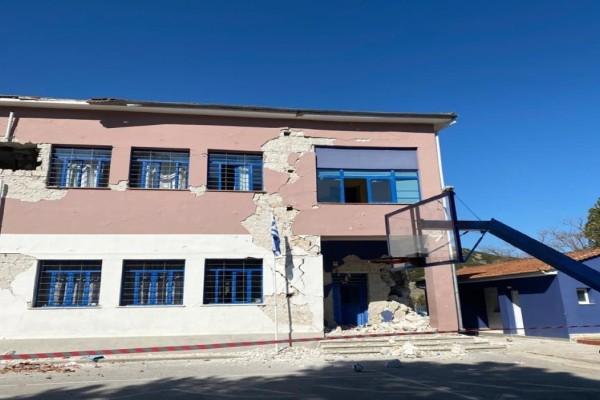 Σεισμός στην Ελασσόνα: «Παρακαλούσα το Θεό να αντέξει το κτίριο άλλα 30 δευτερόλεπτα - Άκουγα φωνές, κραυγές, κλάμματα...»