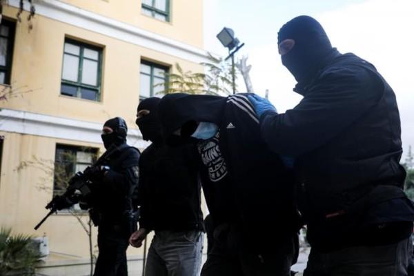 Επεισόδια στη Νέα Σμύρνη: Προφυλακίστηκε ο 23χρονος που κατηγορείται για την επίθεση στον αστυνομικό