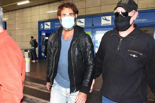 Survivor 4: Επέστρεψε στην Ελλάδα ο Κοψιδάς - Οι αεροσυνοδοί... που τον έκαναν χαρούμενο