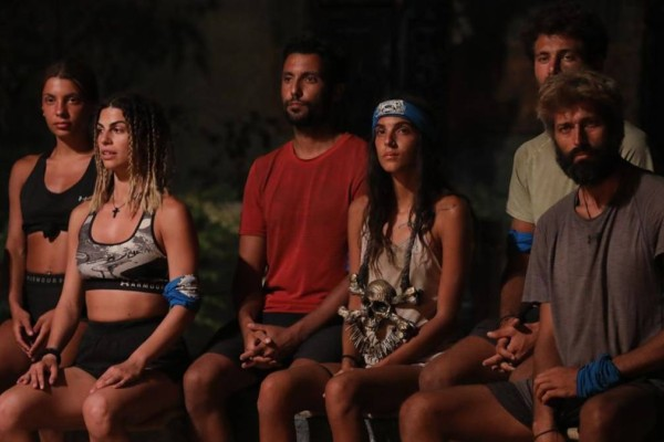 Survivor 4: Πρώτο «χτύπημα» στην νέα κλίκα - Αποχώρησε ο Γιώργος Ταβλαδάκης
