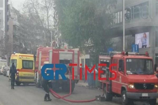 Συναγερμός στη Θεσσαλονίκη: Έκρηξη σε συνεργείο αυτοκινήτων - Στο νοσοκομείο 35χρονος (Video)