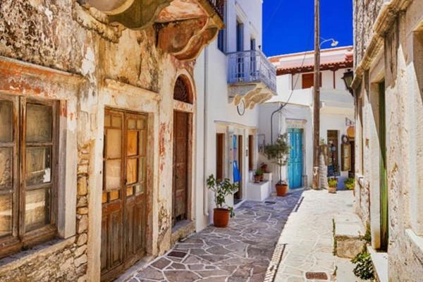 4+1 νησιά της Ελλάδας με τα ομορφότερα χωριά!