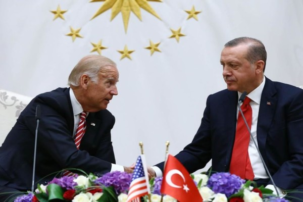 Τηλεφωνική επικοινωνία Μπάιντεν - Ερντογάν