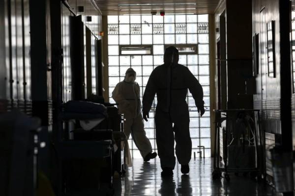 Έγκλημα στον Ερυθρό Σταυρό: Δεν έχει μιλήσει ο 60χρονος δράστης- Νοσηλεύεται φρουρούμενος (video)