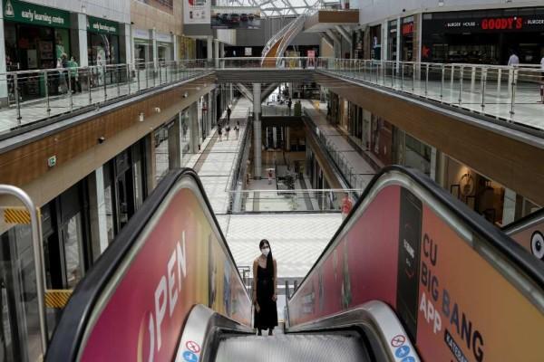 Lockdown: Σενάρια για άνοιγμα των εμπορικών κέντρων από Δευτέρα
