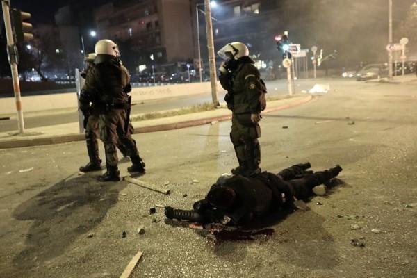 Επεισόδια Νέα Σμύρνη: Συγκλονίζει ο αστυνομικός που δέχθηκε δολοφονική επίθεση - «Πίστεψα ότι δεν θα με βρει κανείς» (Video)