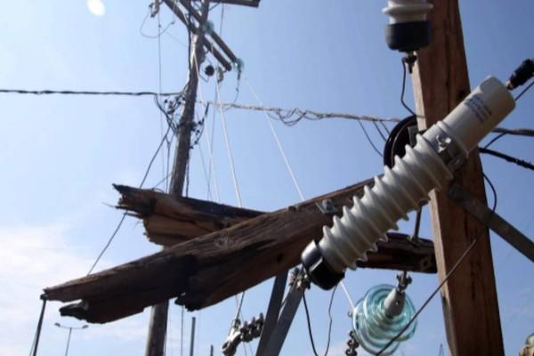 Τραγωδία στην Εύβοια: «Κρεμόταν και καιγόταν σαν λαμπάδα» - Πώς έχασαν τη ζωή τους οι τρεις τεχνικοί;