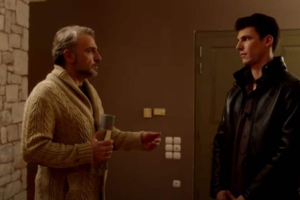 Έρωτας με Διαφορά: Ο Στέλιος εγκαθίσταται στο σπίτι και αρχίζει να ανταγωνίζεται τον Κωστή!