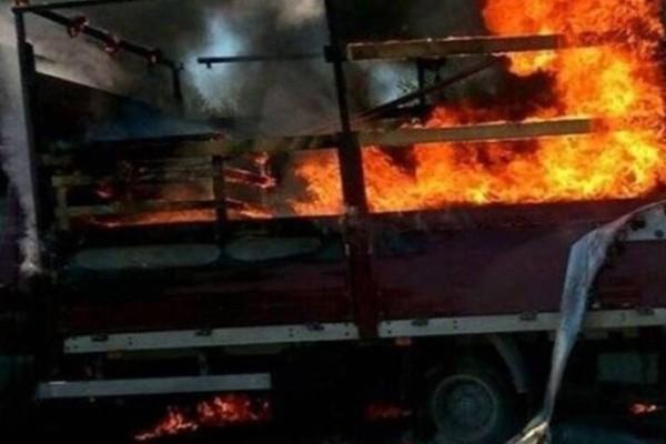 Συναγερμός: Φωτιά σε φορτηγό και κλειστή η Αθηνών-Λαμίας