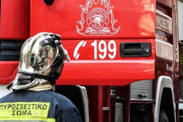 Συναγερμός στη Νίκαια: Φωτιά σε κατάστημα