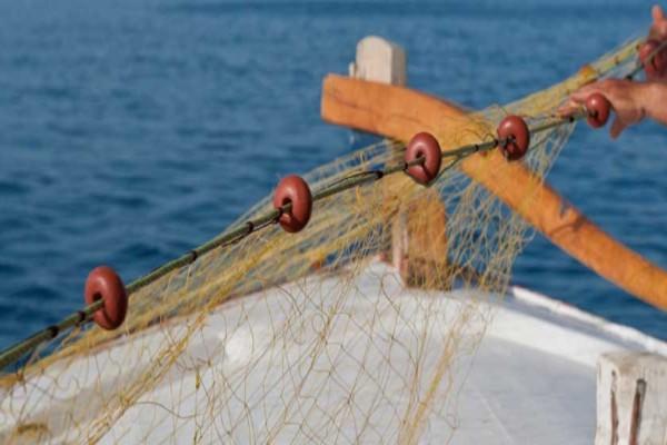 Νάξος: Έμειναν άφωνοι με αυτό που πιάστηκε στα δίχτυα τους