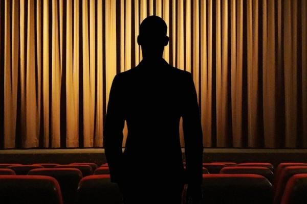Νέα καταγγελία σε βάρος γνωστού σεναριογράφου