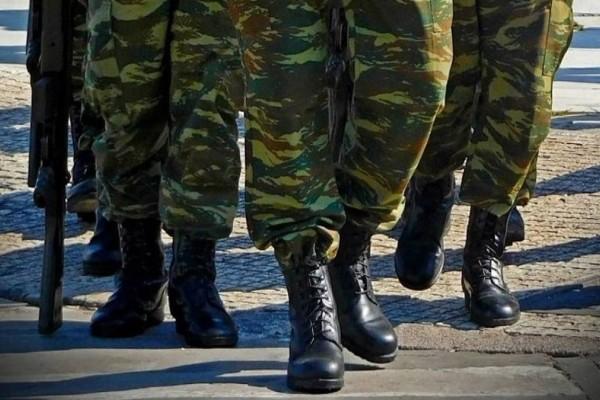 Στρατόπεδο-υγειονομική βόμβα στη Λαμία: Δεκάδες κρούσματα κορωνοϊού σε φαντάρους!
