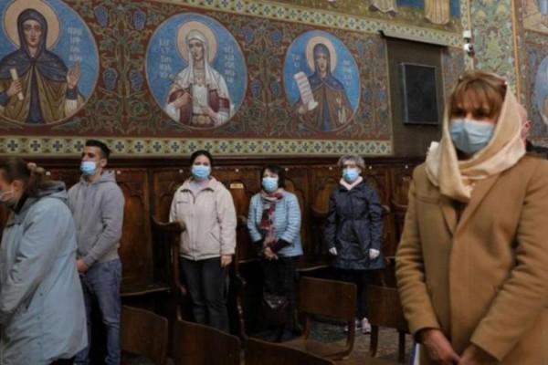 Διπλή μάσκα στις εκκλησίες και self test πριν το τραπέζι της Ανάστασης