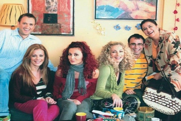 MEGA: Η παρέα του Παρά Πέντε επέστρεψε μετά από 14 χρόνια (Video)
