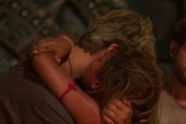 Survivor spoiler: Τι ψιθύρισε στο αυτί του Παππά η Ελευθερίου πριν αποχωρήσει;