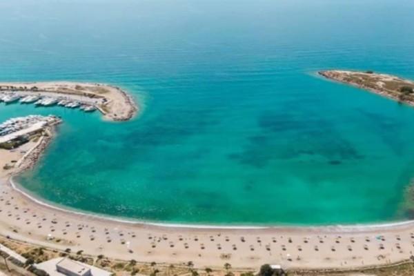 Γλυφάδα: Δείτε εικόνες από την νέα όψη της παραλίας