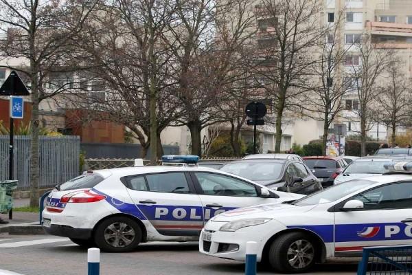 Συνελήφθησαν στο Παρίσι επτά Ιταλοί πρώην μέλη τρομοκρατικών οργανώσεων