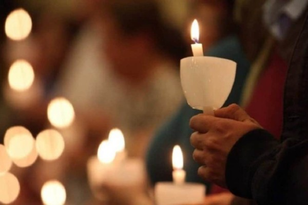 Πάσχα: Ανάσταση στις 21:00 στο προαύλιο των ναών - Πως θα λειτουργήσουν οι εκκλησίες