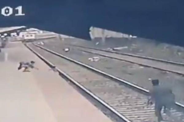 Ανατριχιαστικό βίντεο: Τελευταία στιγμή έσωσε το παιδί από το τρένο