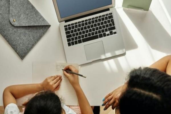 Voucher 200 ευρώ: Ξεκινούν οι αιτήσεις για την επιδότηση αγοράς tablet, laptop και desktop