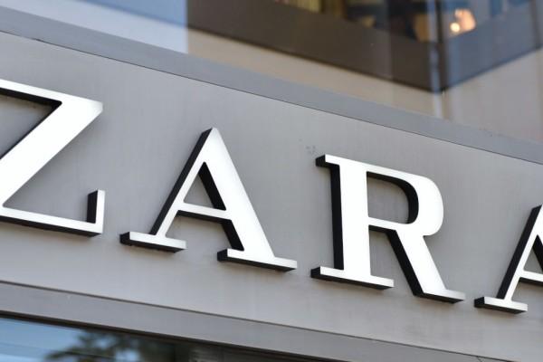 ZARA: Ψηλόμεση βερμούδα denim σε σούπερ τιμή