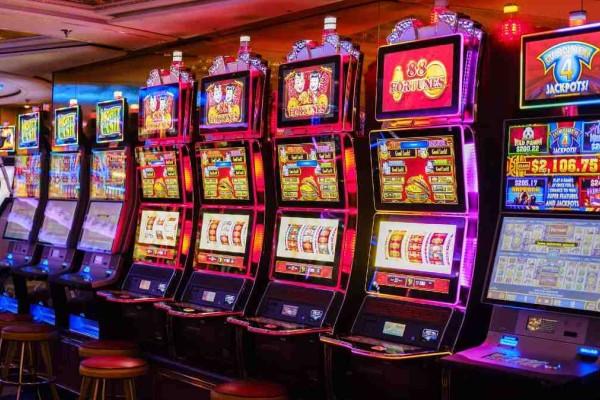 Άρση μέτρων: Ανοίγουν και τα καζίνο στην χώρα - Το Σαββατοκύριακο η νέα πρεμιέρα