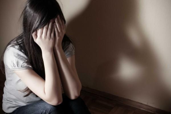 Σοκ από τα sms του διεστραμμένου δασκάλου - Αυτά είναι τα σημάδια που μαρτυρούν σεξουαλική παρενόχληση στους ανήλικους