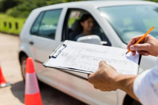 Ριζικές αλλαγές στα διπλώματα οδήγησης: Εξετάσεις από τα 17 & κάμερα στο όχημα - 5 ρυθμίσεις για τα ιστορικά οχήματα