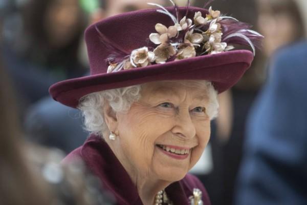 Βασίλισσα Ελισάβετ: Με αυτό τον τρόπο δε θα δηλητηριαστεί ποτέ - Οι Αυτοκράτορες που την «πάτησαν»