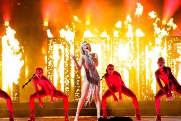 Eurovision 2021: «Έκαψε» το Ρότερνταμ με το «El Diablo» η Έλενα Τσαγκρινού