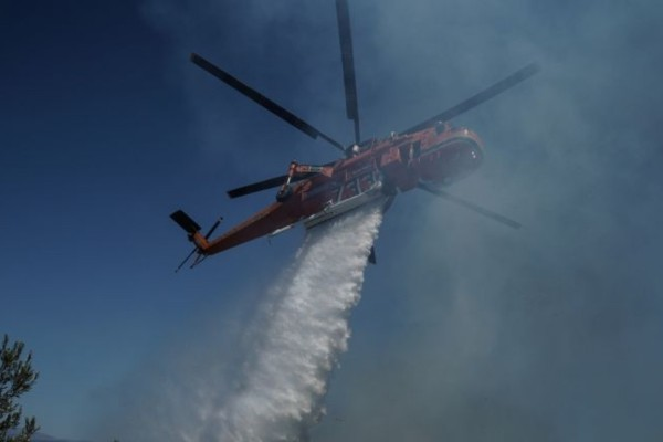 Φωτιά στην Ηλεία: Μαίνεται το «μέτωπο» στη Σμέρνα