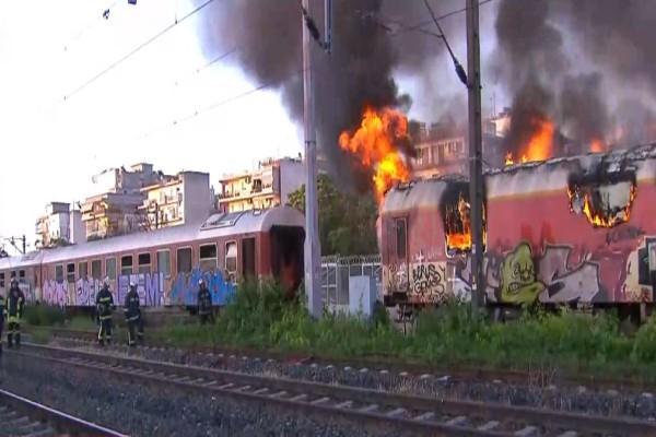 Φωτιά σε εγκαταλελειμμένα βαγόνια του ΟΣΕ στη Θεσσαλονίκη - Οι περιοχές που χαρακτηρίζονται κόκκινες στην Αττική! (Video)