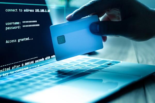 Ηλεκτρονικές απάτες: Έτσι σας κλέβουν χωρίς να το καταλάβετε - Όλα όσα πρέπει να ξέρουμε