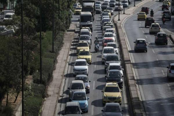 Κίνηση: Καθυστερήσεις σε Εθνική και Αττική Οδό - Προβλήματα στη Μεσογείων & χαμός στην Ποσειδώνος λόγω έργων