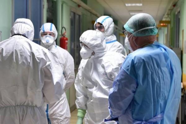 Κορωνοϊός: Ξανά κοντά στην εκατόμβη νεκρών - Μείωση κρουσμάτων και διασωληνωμένων