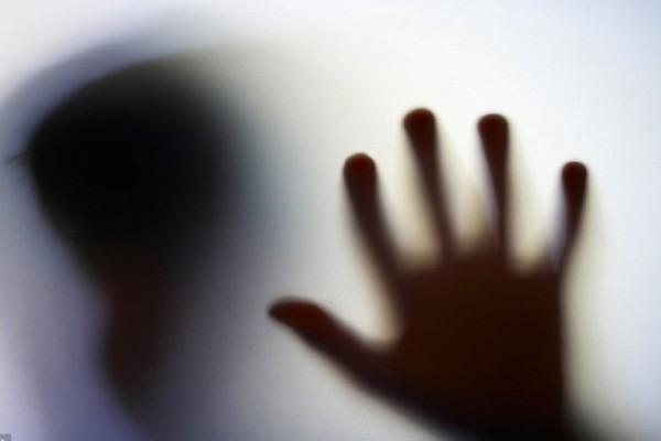 Σοκ στο Ηράκλειο: 13χρονος βίασε συνομήλικη του και άρχισε να διακινεί το βίντεο