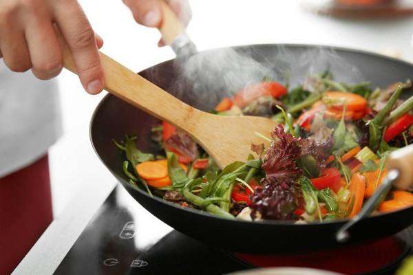 Τα λάθη που κάνουμε στο μαγείρεμα και το συστατικό που μας «σκοτώνει»