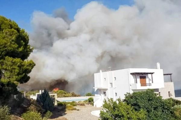 Λήξη συναγερμού: Υπό πλήρη έλεγχο η φωτιά στην Κορινθία - Σε ύφεση στη Μακρακώμη