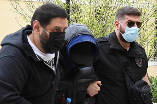 Μένιος Φουρθιώτης: Ζήτησε να τον πάνε... στο Δρομοκαΐτειο - Πόσα πλήρωσε τους συγκατηγορούμενούς του για την επίθεση στο σπίτι του