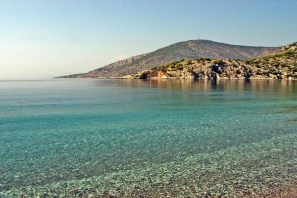 20 παραλίες στην Αττική: 7 ακατάλληλες,  7 υπέροχες και 6 ερημικές!