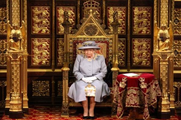 Βασίλισσα Ελισάβετ: Πρώτη επίσημη εμφάνιση μετά το θάνατο του συζύγου της