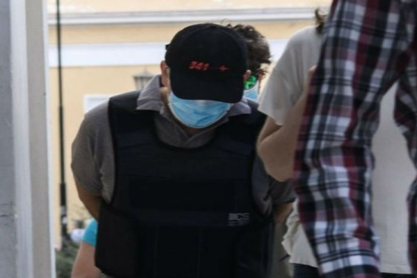 Ψευτογιατρός: Σε δίκη με άλλους 16 συνεργούς, για 12 θανάτους και 14 απόπειρες