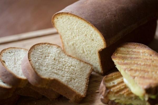 Η μεγάλη διαφορά του «κανονικού» ψωμιού με εκείνο του τοστ - Ποιο να προτιμήσεις για την υγεία σου