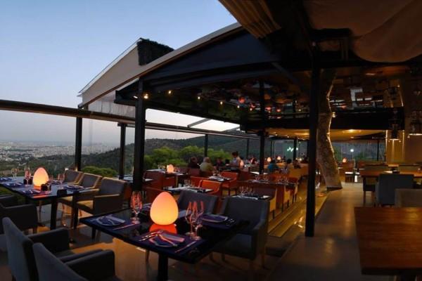 17+1: Τα καλύτερα καφέ της Αθήνας για να απολαύσετε το ρόφημα σας με θέα